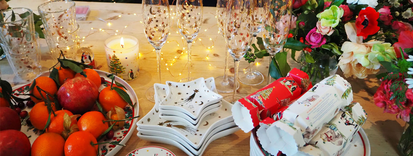 Laying the christmas table with Rowan Blossom - Cath Kidston