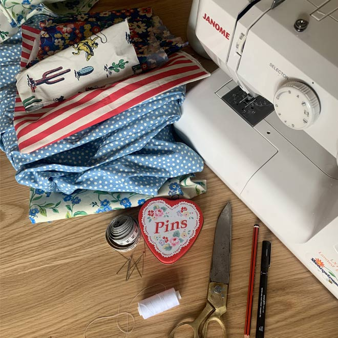 how to paint forget me nots - Cath Kidston