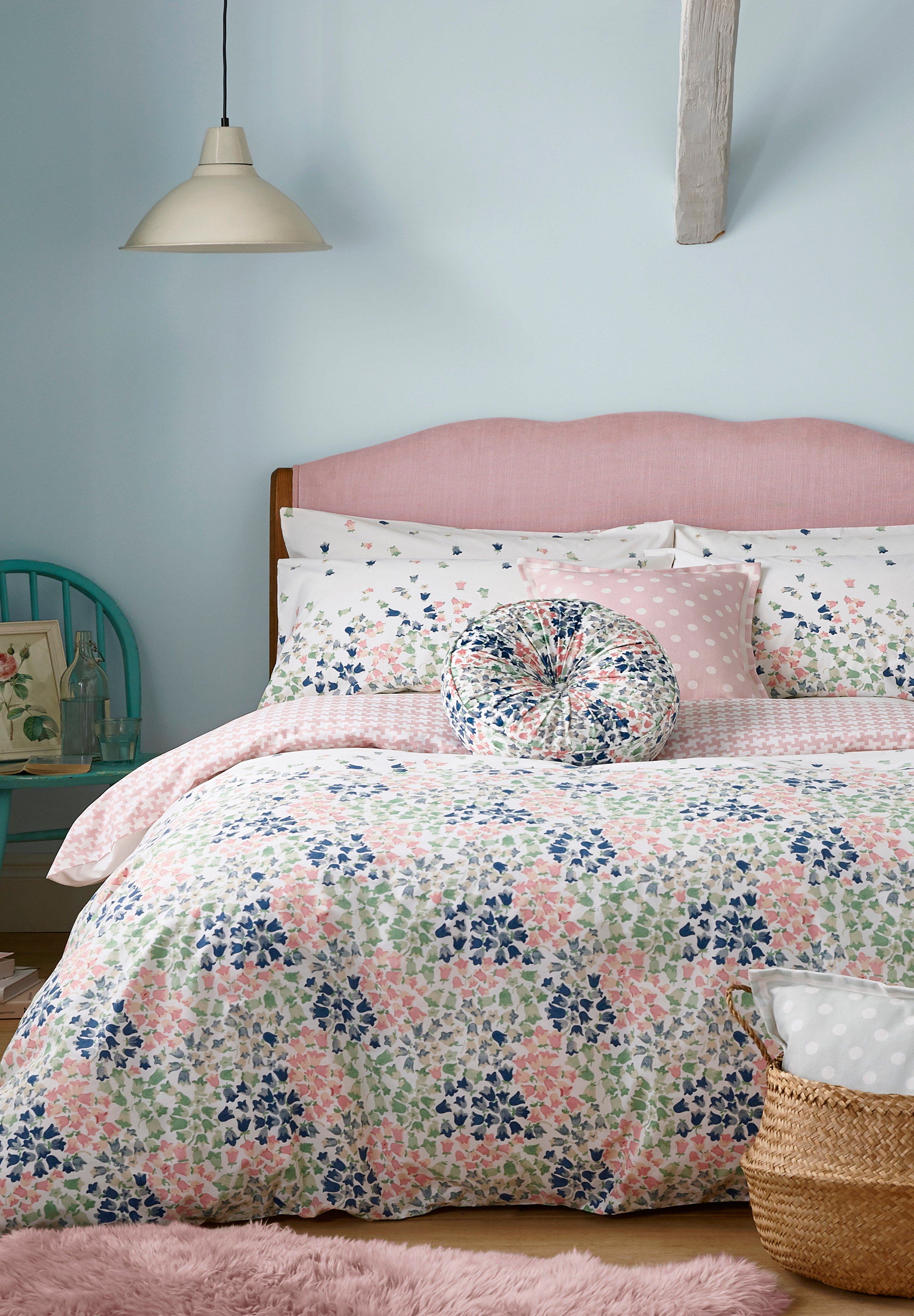 Cath Kidston Painted Bluebell Bedding Set in Warm Cream, Single